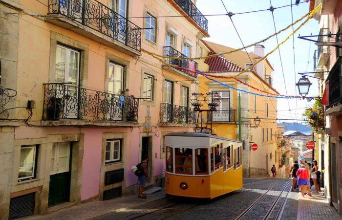 Viaggi organizzati Portogallo - tram Lisbona