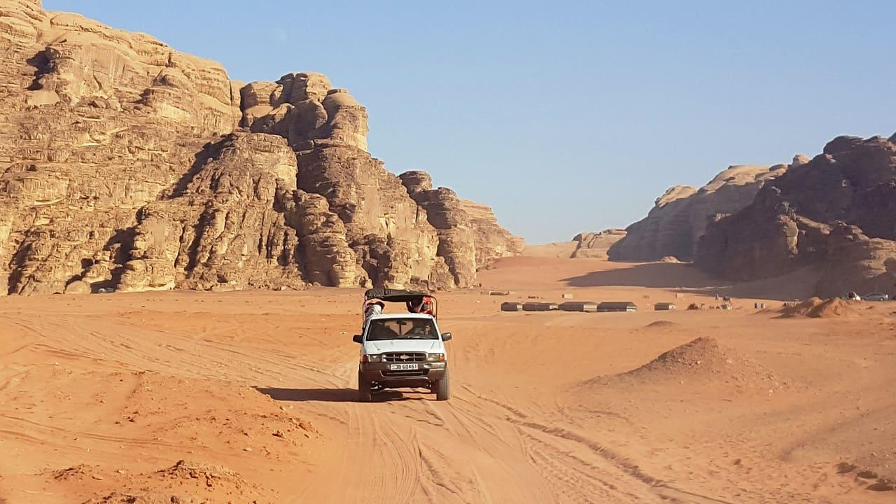 viaggio in Giordania - Wadi Rum deserto jeep