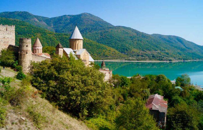 Viaggi organizzati Georgia Ananuri panorama
