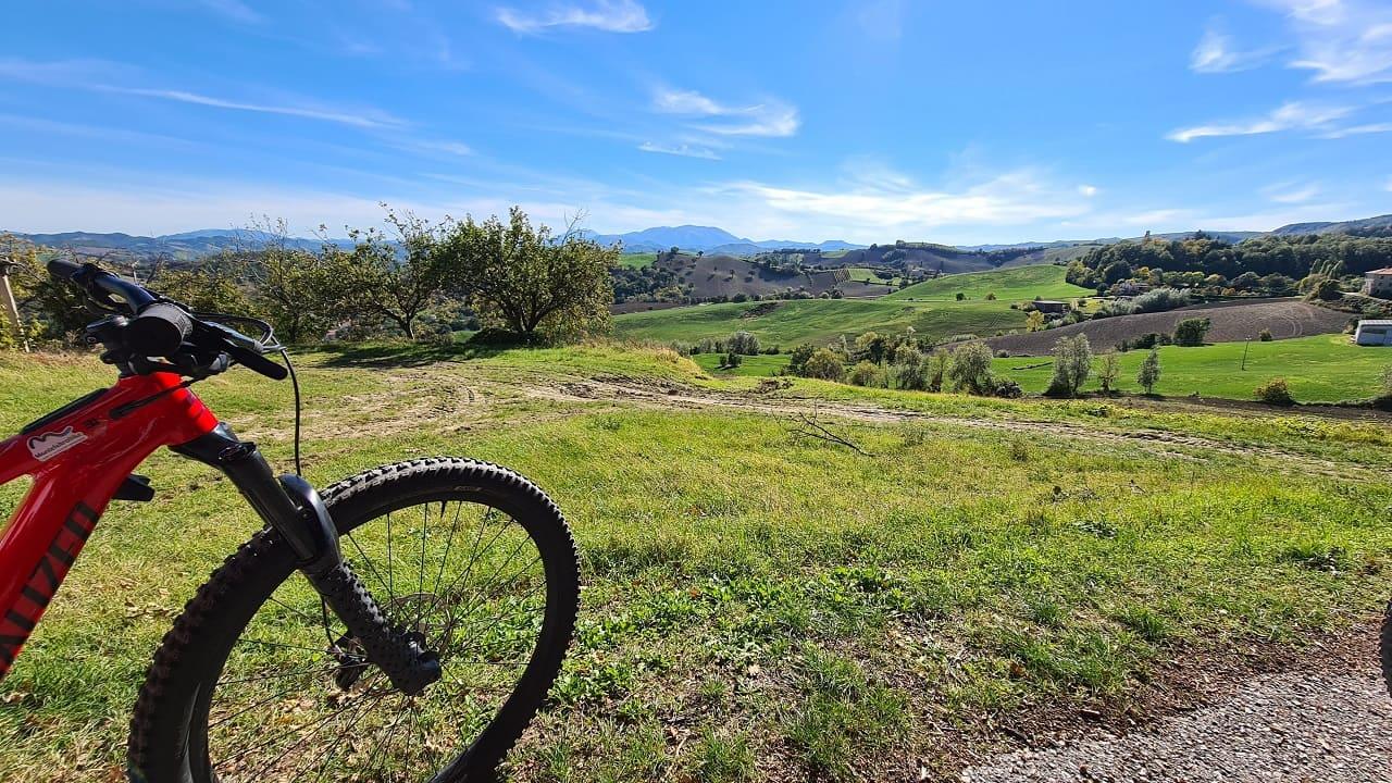 tour in bicicletta nel Montefeltro - panorama